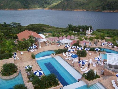 Centro Vacacional Lago Calima - Comfandi