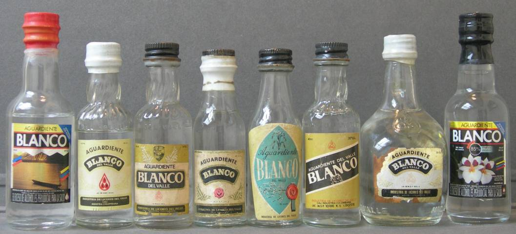 Aguardientes_de_Colombia_Blanco