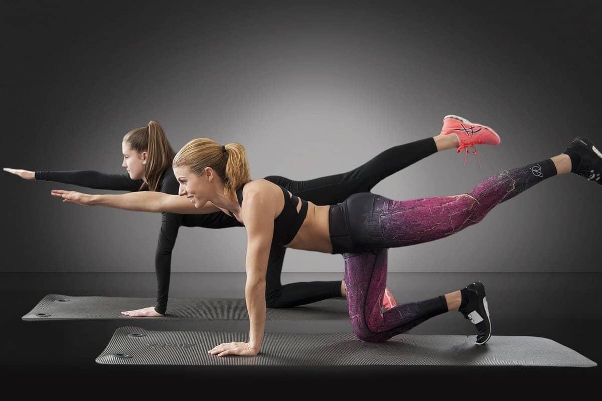 ejercicios para levantar los glúteos
