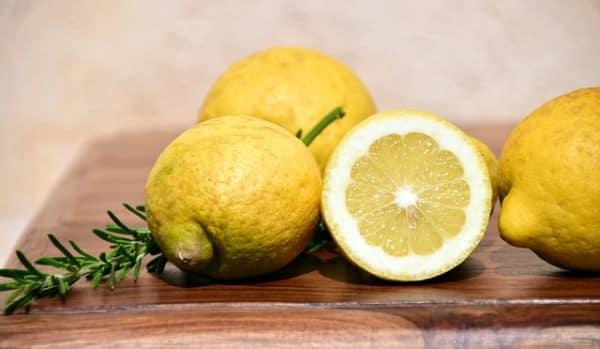 usos del limón en la cocina