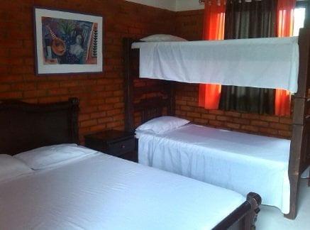 Hoteles lago calima Cabañas