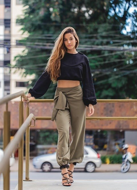 ropa de moda para mujeres hermosas