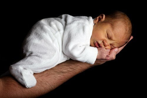 Los niños ¿Deben dormir con sus padres
