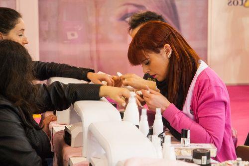 costo del manicure en Colombia
