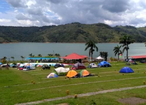 acampar lago calima