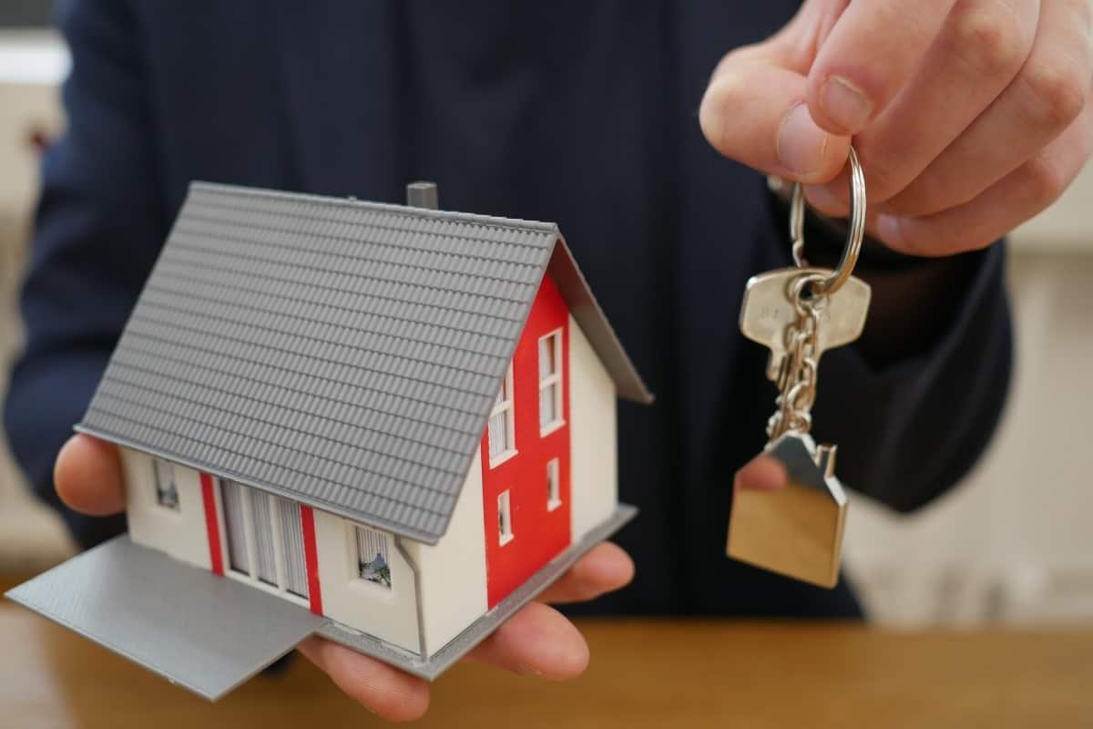como comprar casa en Colombia con inmobiliaria