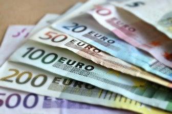 dinero en efectivo para su viaje en Euros