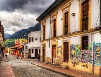 Recorrido por la candelaria en Bogotá