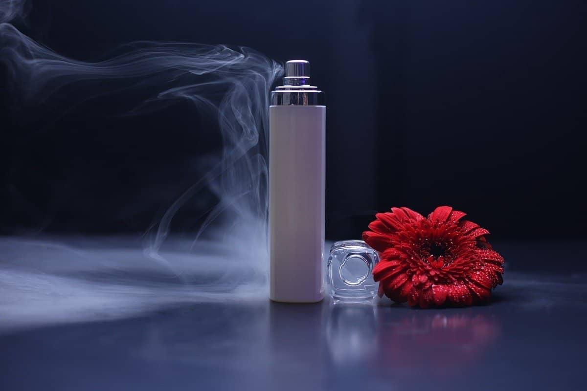 Cómo hacer que el aroma del perfume dure más