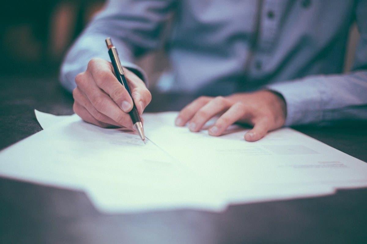 Carta de Certificación Laboral en Colombia