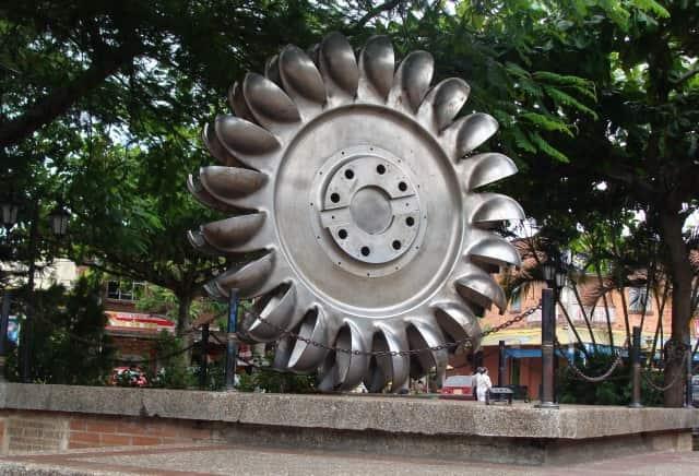 Plaza principal mesitas del colegio